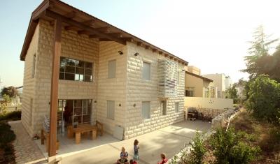 בניית גג עץ יפה בהרי ירושלים