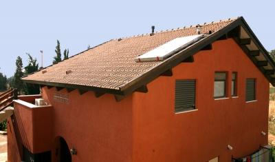 גג עץ בהרי ירושלים