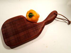 קרש הגשה – צורת סטייק עץ מהגוני